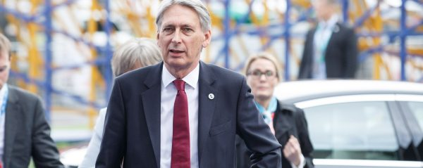 The chancellor should heed Keynes – and keep public spending down